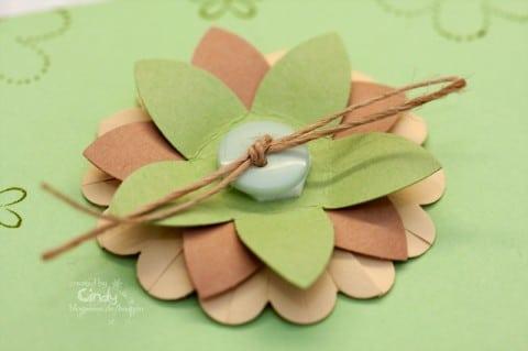Toffifee Verpackung - Blume mit Knopf