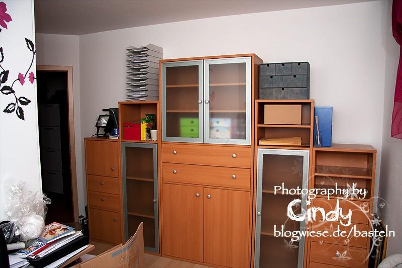 Bastelbereich vorher - alte Büroanschrankwand