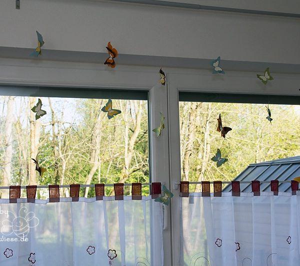 Deko am Fenster mit zauberhaften Schmetterlingen 3