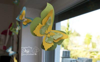 Deko am Fenster mit zauberhaften Schmetterlingen