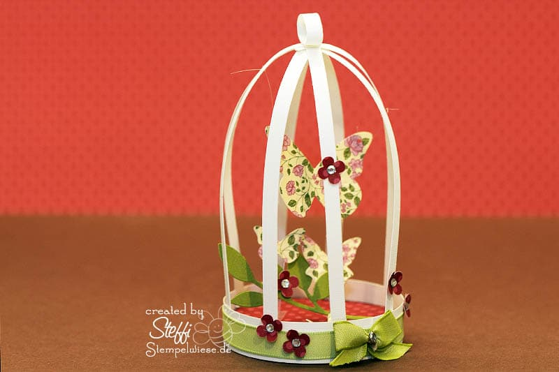 Schmetterlinge im Käfig 1