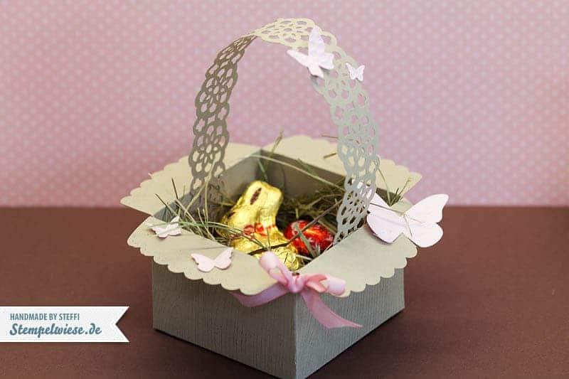 Osterkörbchen aus Umschlag mit Zierlasche 1