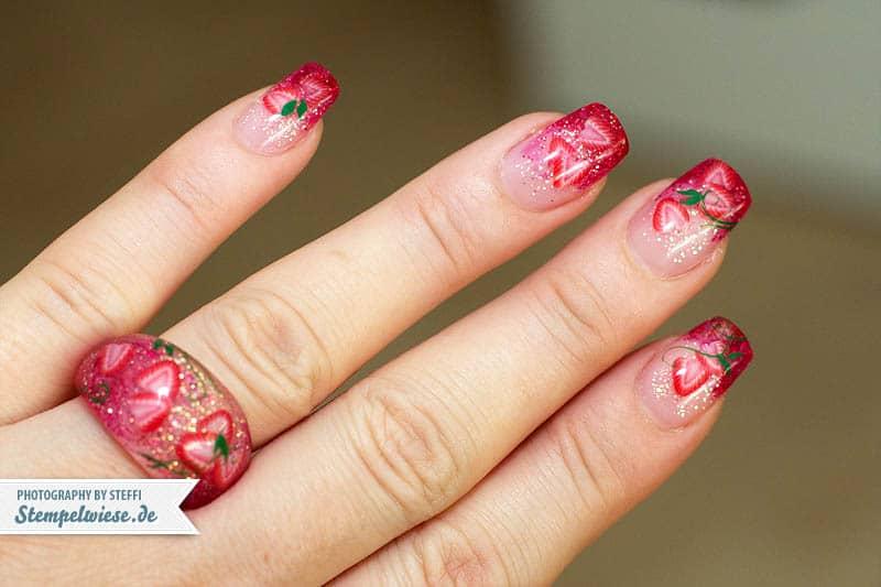 Nail Art - Strawberry 1