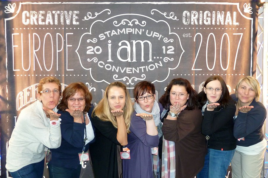 Video - Convention 2012 und Teamfoto 1