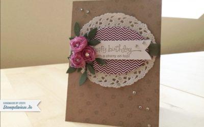Geburtstagskarte mit gefärbten Blüten