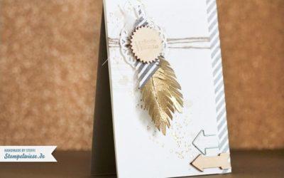 Grußkarte mit Federn und Gold