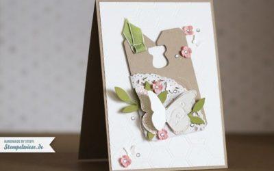 Glückwunschkarte mit Schmetterling und Tag