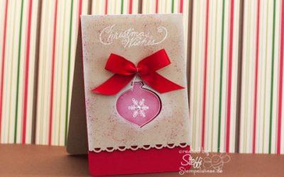 Weihnachtskarte mit Weihnachtskugel