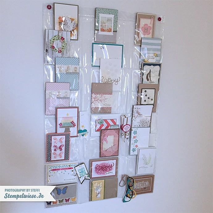 karten-praesentieren-treppenaufgang-stempelwiese-foto-vorhang-tchibo-151031
