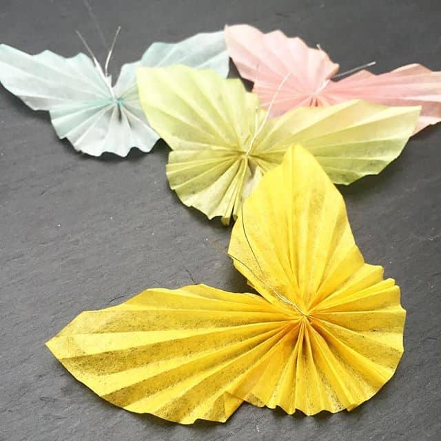 Es regnet schon den ganzen Tag, da kommen die Schmetterlinge gerade richtig ️ #butterfly #origami #stempelwiese