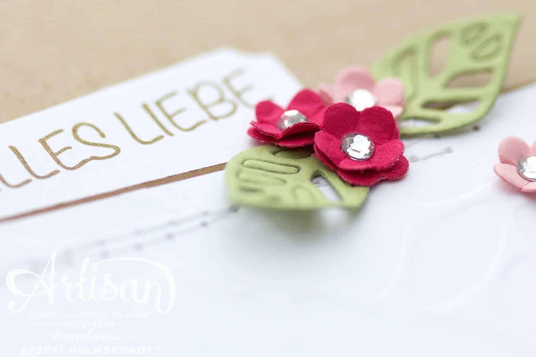 dezente Glückwunschkarte mit Strassblumen