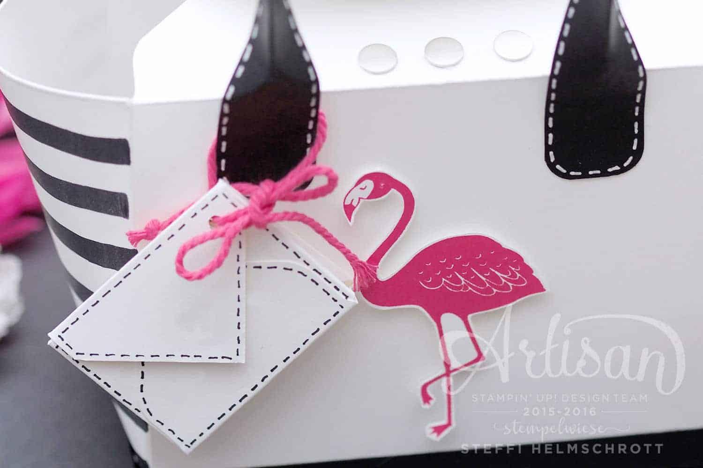 Handtasche aus Papier mit Flamingo