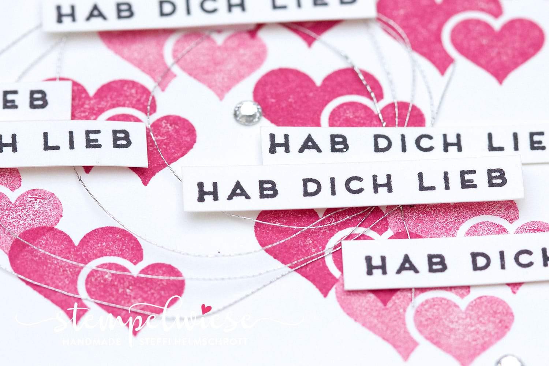 Herzen auf der Valentinskarte