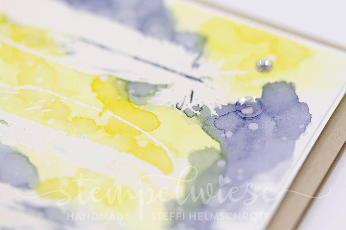 Geburtstagskarte mit embossten Federn und Aquarellhintergrund - Stampin' Up! - Stempelwiese