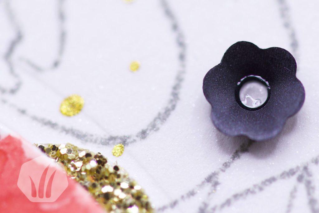 Dankeskarte oder Freundeskarte mit Blumen in der Spotlight Technik: Detail Blüte