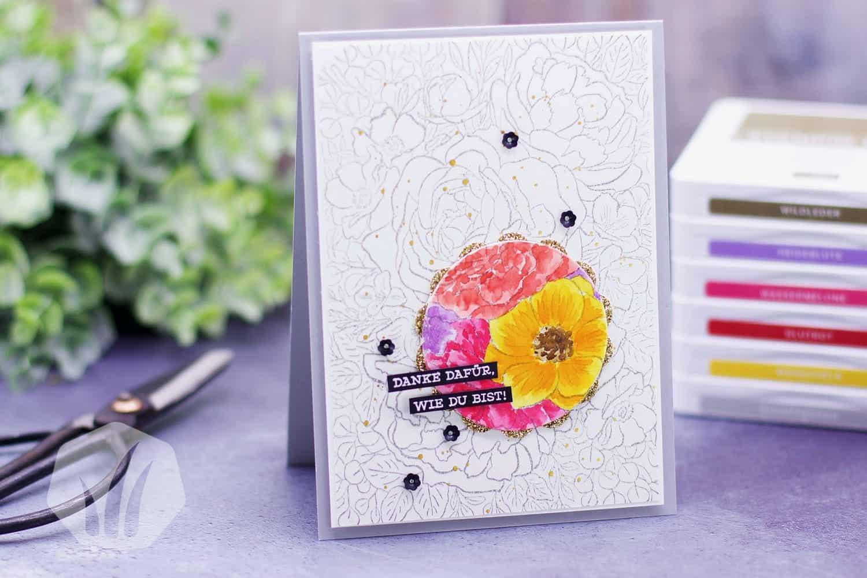 Dankeskarte oder Freundeskarte mit Blumen in der Spotlight Technik