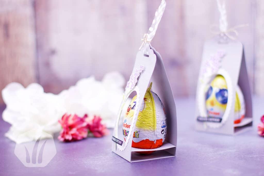 Überraschungsei verpackt für Ostern: Seitenansicht